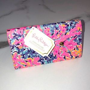 NWT Lilly Pulitzer Coco Coral Crab SUNGLASS case